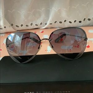 Marc by Marc Jacobs Heart aviator sunglasses